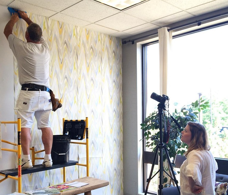 How Do You Prepare A Wall For Wallpaper?